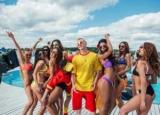 MOZGI представила горячий видеоклип на «Мокрый Пляж Mvt»
