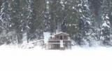 Недалеко от озера Синевир построить дом для актера Жан Рено