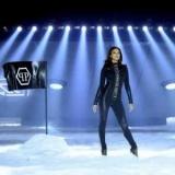 Ирина Шейк приняла участие в шоу с роботом