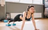 Сложная планка: как сделать красивые мышцы живота дома